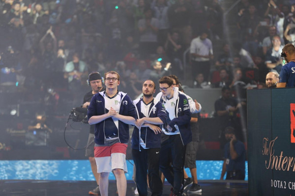 Winning Team of the DOTA 2 TI Grand Finals